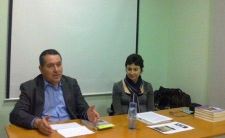 Daniel Pi i Maria Lluïsa Latorre durant la presentació de la novel·la De Susqueda a Tübingen. Diari d'una metgessa