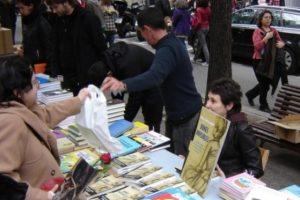 Sant Jordi 2012 a Barcelona, la màgia del contacte amb el públic